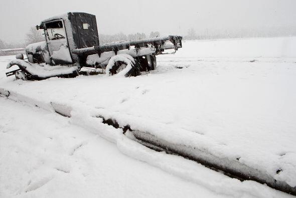 Al menos cuatro personas murieron en accidentes ocurridos en rutas o aut...