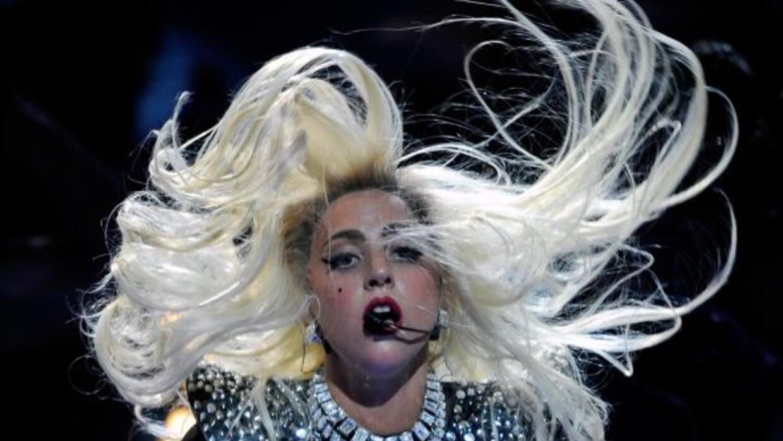 Lady Gaga demanda a empresa por utilizar su nombre en línea de cosméticos.