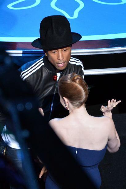 """Y qué tal Pharrell Williams, quien puso a bailar a las estrellas del """"A-..."""