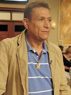 Luis Miguel Verástegui llegó a la corte para demandar a su ex.