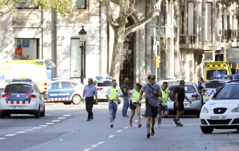 Manhunt for attackers in Barcelona, suspects in custody 6363858970227798...