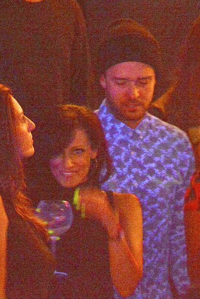 """Y así el """"olvidadizo"""" Justin Timberlake se rindió ante las caderas de su..."""