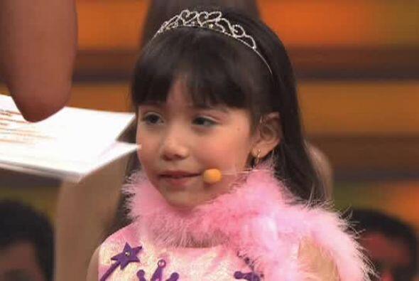 Sin embargo la bailarina fue criticada por la pequeña, pues no logró hac...