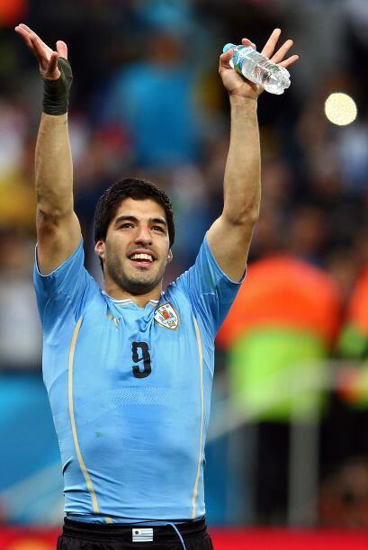 De tal manera que el balón ahora está en los pies de Suárez quien deberá...
