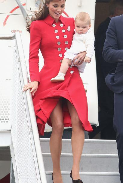Kate complementó este estilo tan elegante con un boina del mismo tono.