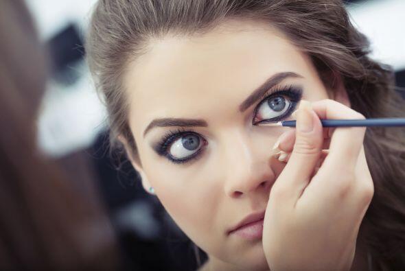 El delineado es algo que jamás pasará de moda en cuanto a maquillaje se...