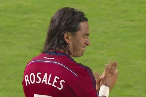 Justo por ser un futbolista profesional, Rosales cree que en el caso de...