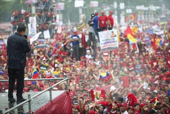 """""""Viva Venezuela libre, viva el 7 de octubre"""", gritó el gobernante mientr..."""