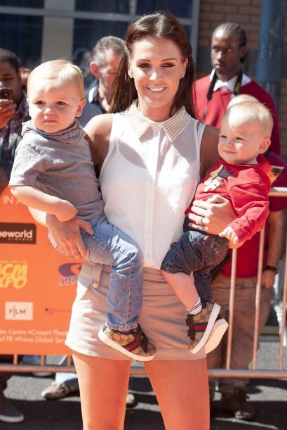 Con él tiene a estos adorables chicos, Harry y Archie.