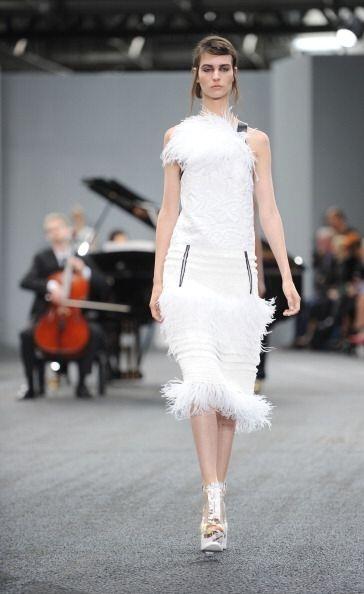 El color blanco es otra tendencia que al igual que las plumas triunfaron...