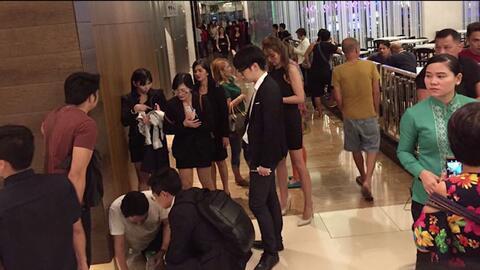 Imágenes fuera del hotel en Filipinas donde se registraron disparos y ex...