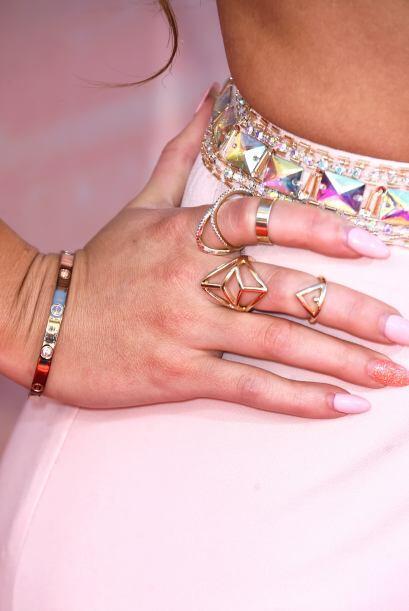 Los anillos en dorado y sobre todo los 'midi rings' están mucho e...