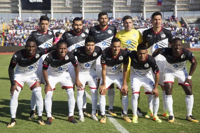 En fotos, Lobos BUAP goleó 3-0 a Cruz Azul en la Liga MX  20171020-5139.jpg
