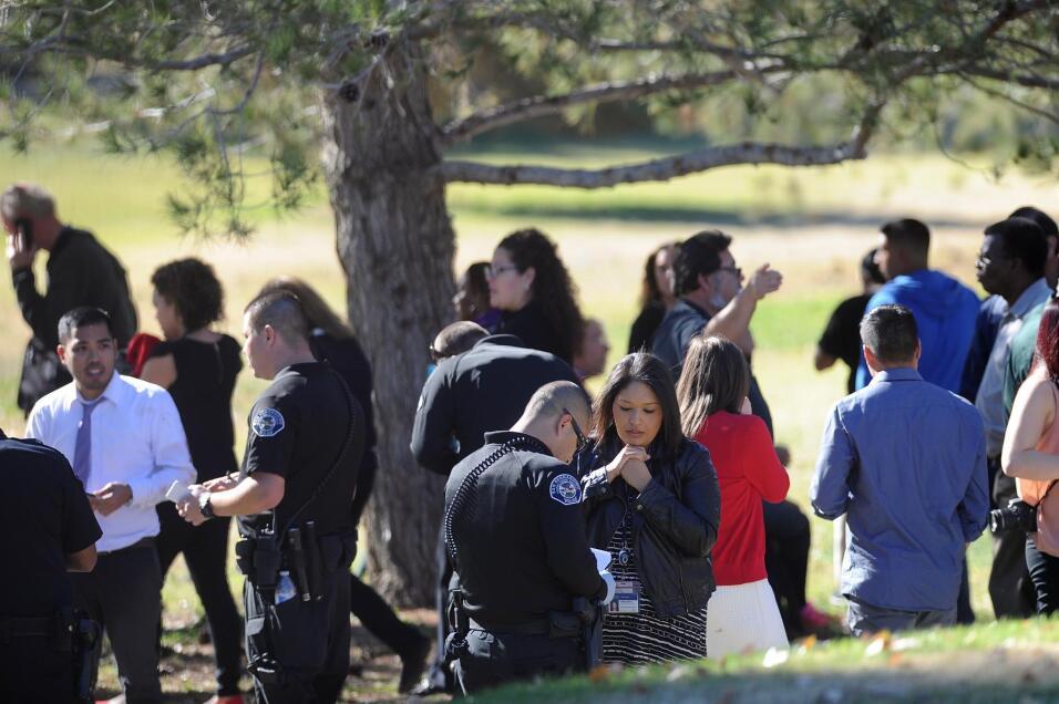 Hispanos consternados por tiroteo en California  sanbernardino8.jpg