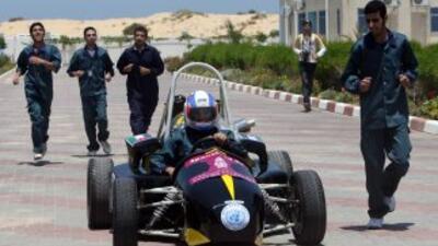 Estudiantes palestinos construyeron un auto para F1 con el que participa...