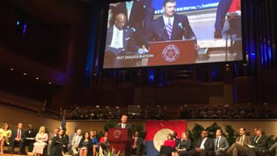 El alcalde de Dallas, Mike Rawlings, dijo que la policía tiene &q...