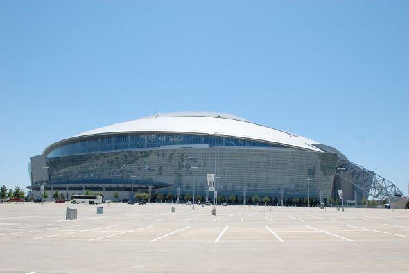 El estadio de los Dallas Cowboys esperaba el arribo de los aficionados e...