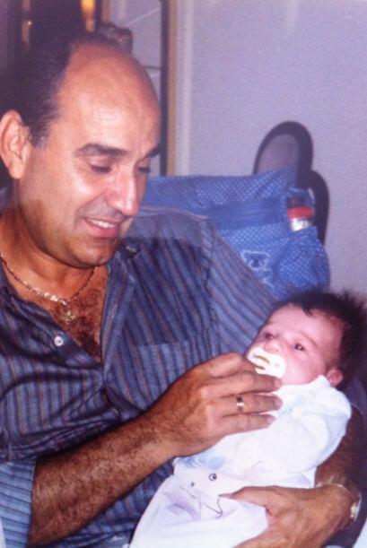 Vean a Nuestra Belleza Latina 2011 recien nacida en brazos de su papá, q...