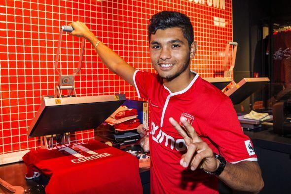 El 'Tecatito' Corona con ocho partidos con el Twente comienza a tener pa...