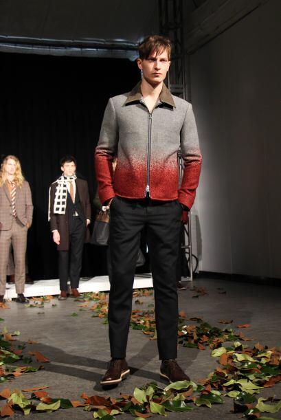 Ernest Alexander propone la combinación de colores y degradados en prend...