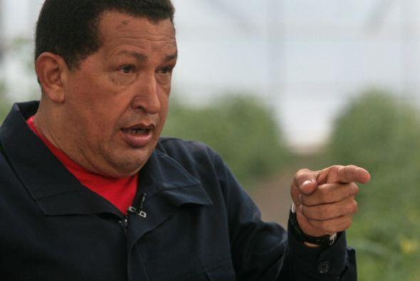 El presidente de Venezuela, Hugo Chávez, firmó este domingo la nacionali...