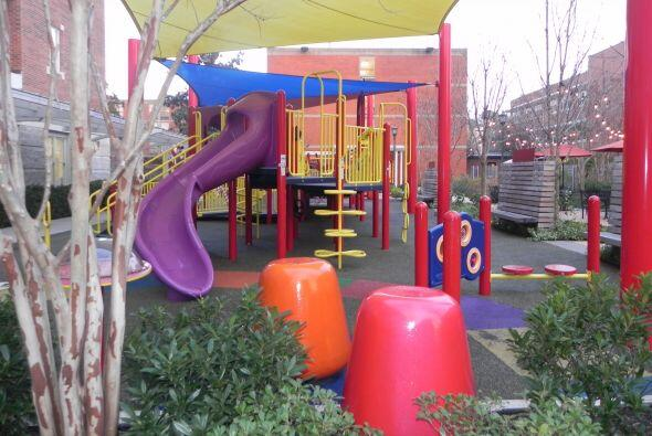 ¡Vamos al patio a jugar!, dicen pequeños y adultos.
