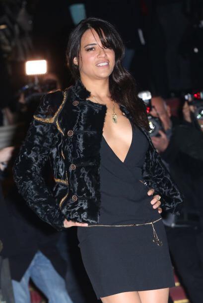 Acudió al lanzamiento de la colección Primavera-Verano de Versace.