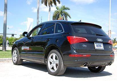 Otras de las funciones de conveniencia que destacan son el Audi Side Ass...