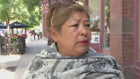 Abuelita Genoveva, inmigrante de 67 años, demanda por negligencia...