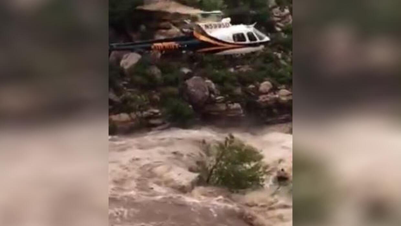 Rescatan 17 personas atrapadas en una inundación repentina en Tan...