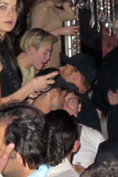Los dos estuvieron muy juntitos en un club de Las Vegas.Mira aquí los vi...