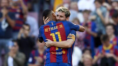El regreso de Messi y nuevo 'look' de Neymar en la goleada de Barcelona