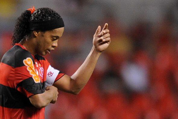 Ronaldinho nació el 21 de marzo de 1980 en Porto Alegre , Brasil,...