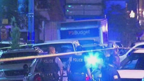 Al menos ocho policías resultaron heridos tras violenta noche de martes...