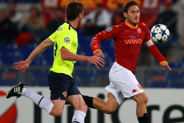 La Roma jugaba en su casa ante el Basilea suizo.