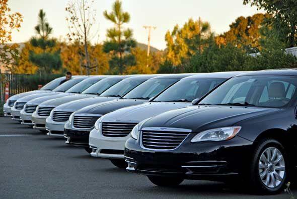 El Chrysler 200 es el nuevo sedán mediano familiar de Chrysler.