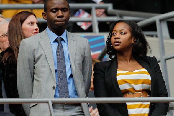 Fabrice Muamba presenció el duelo, junto a su esposa.