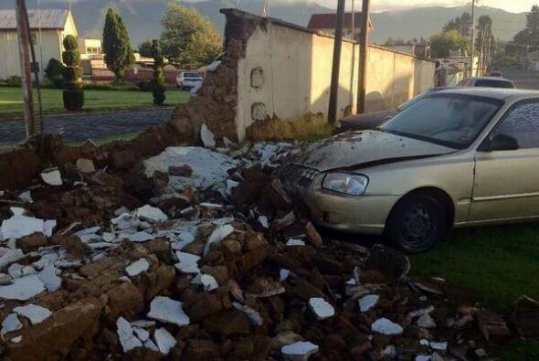El sismo derrumbó algunos muros en la ciudad de Quetzaltenango, en Guate...
