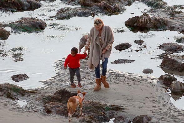 Al paseo se llevaron además a sus dos lindos perros. Más videos de Chism...
