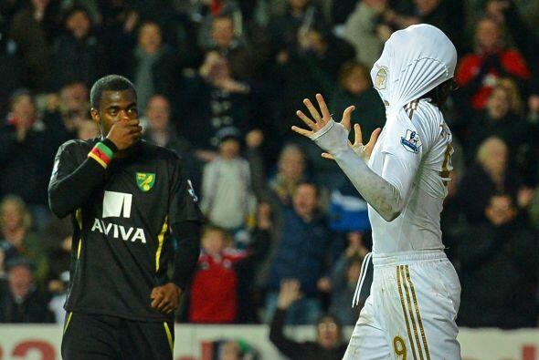 El español marcó dos tantos ante el Norwich City, aunque n...
