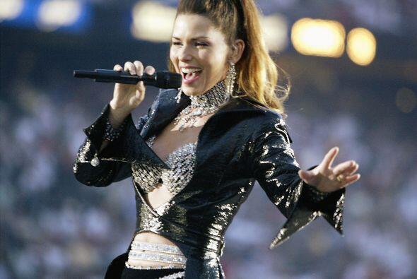 En el descanso del Super Bowl XXXVII, Shania Twain hipnotizó a la audien...