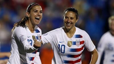 Frente a frente: Team USA femenino le lleva la delantera a Francia en victorias