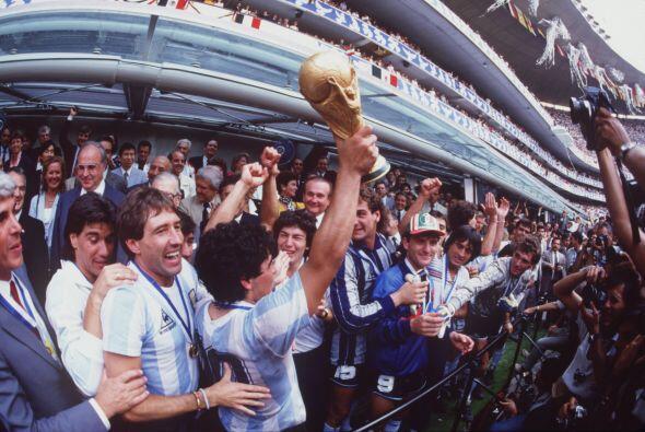 Las promesas a la Virgen de Jujuy: En 1986 el conjunto argentino viajó a...