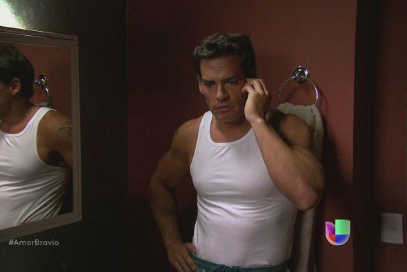 Daniel está enterado que Camila verá a Dionisio, no permitirá que eso su...