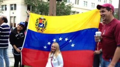 Venezolanos votando desde el exterior.