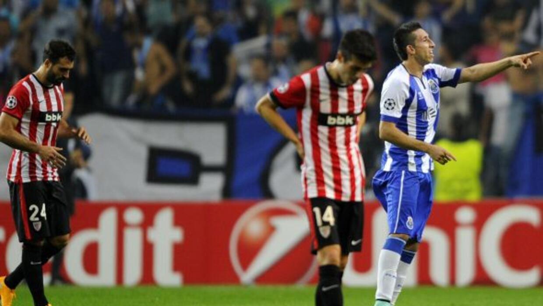 El mexicano Héctor Herrera hizo el primer gol en el triunfo portugués so...