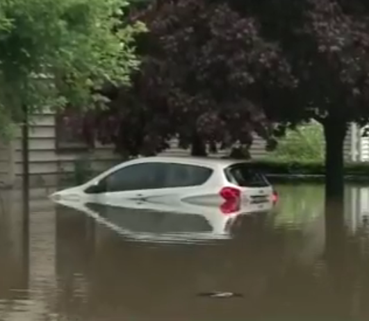 Más de 20 personas fueron evacuadas en Mundelein