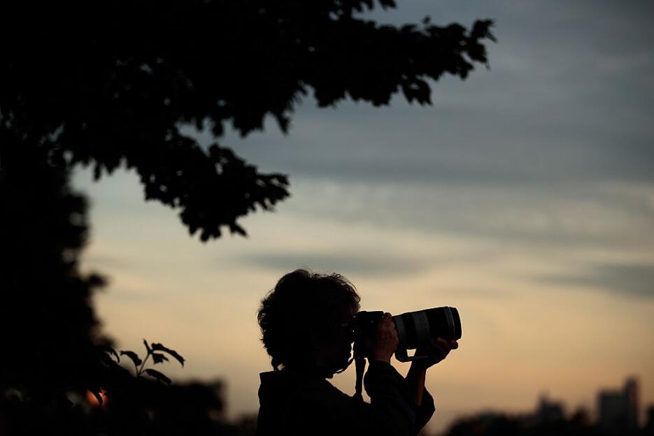 En época de redes sociales, el fenómeno se festeja con fotos y comentarios.