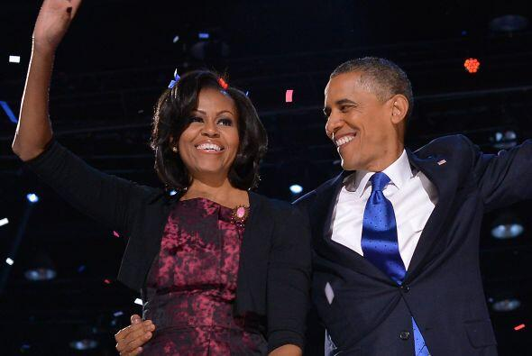 Noviembre 6- El demócrata Barack Obama es reelegido presidente de Estado...