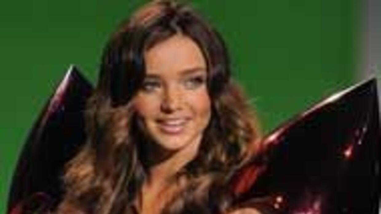 Miranda Kerr 9be2d1fe5d25499386f662afddfc236f.jpg